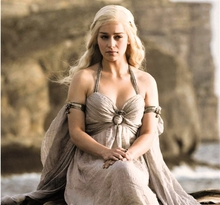 цена на 2017 New Game of Thrones Daenerys Targaryen Beige Long Dress Women Cosplay Costume Free shipping