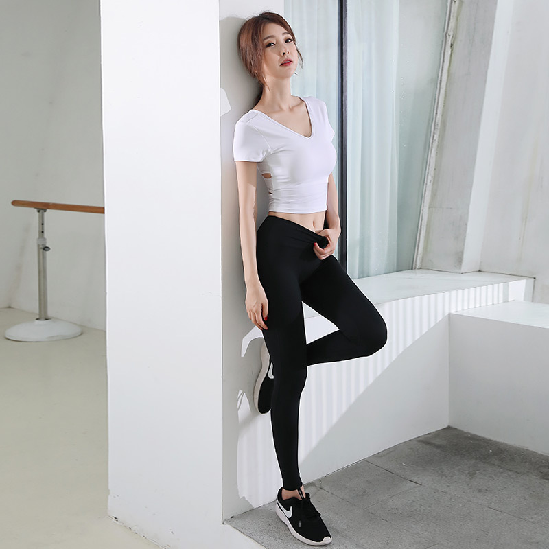 Quick-drying Women's Sports Suit Cross Back T-shirt And Breech Pants Two Sets Of Fashion Sexy Fitness Dance, Women's Sports Suit