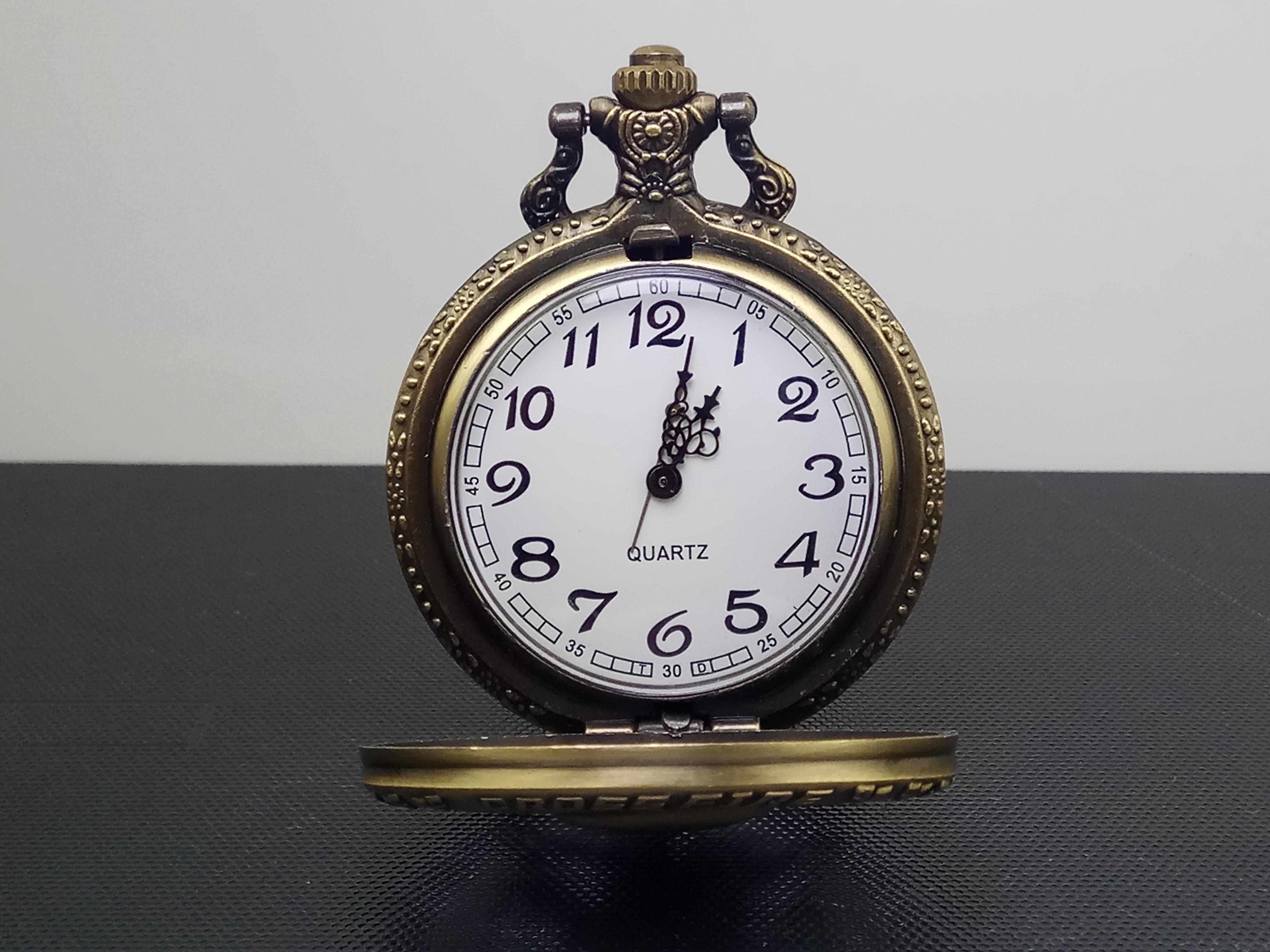 Vintage Bronze Steampunk Quartz Pocket Watch Hollow Carribean Pirate Skull Head Horror With Chain For Men Women Pendant Necklace