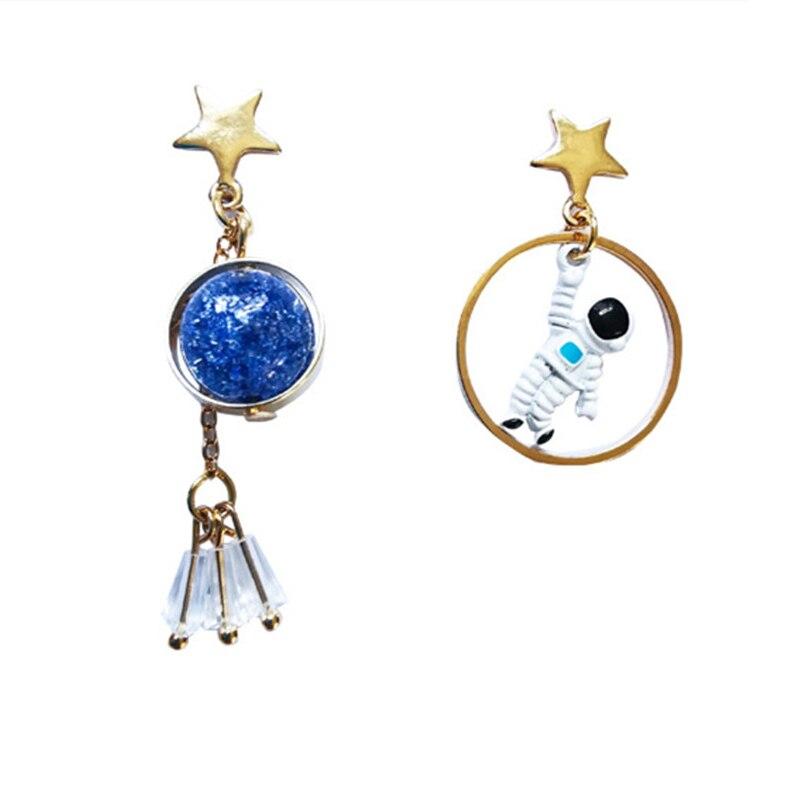Nieuwe Koreaanse Oorbellen Asymmetrische Pentagram Oorbellen Ruimte Astronauten Aarde Kleine Oorbellen Voor Vrouwen Partij Sieraden