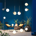 Современные скандинавские светодиодные металлические подвесные светильники из кованого железа стеклянный круглый шар латунный стержень ...