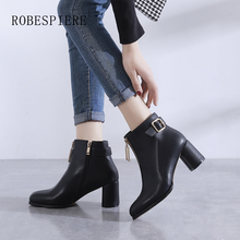 все цены на ROBESPIERE New European Ankle Boots Women Top Quality Cow Leather High Heel Plus Size Shoes Woman Warm Plush Round Toe Boots B31 онлайн