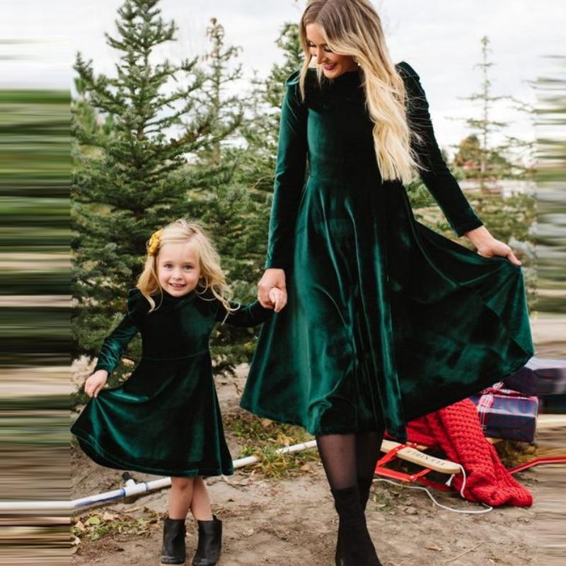 Girls and Mother Vintage Parent-child Dress Autumn 2019 Female Long Sleeve O-Neck Green Velvet Dresses Femme Party Vestidos 1