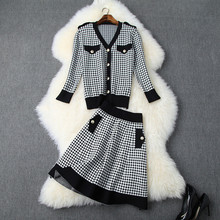 2019  Autumn women elegant knit coat + plaid skirts two piece set Fashion women skirt suit A829