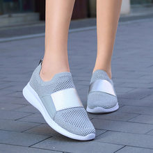 Mulher tênis de malha respirável sapatos vulcanizados ar à prova de choque senhoras plataforma conforto deslizamento na moda feminina apartamentos mulher 2020