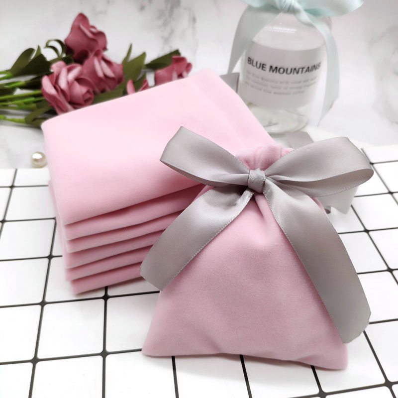 50Pcs 7cmx9cm Jewelry Velvet Bags With Ribbon Flannel Pouches Wedding Candy Gift Packing Christmas Decoration Can Customed Logo