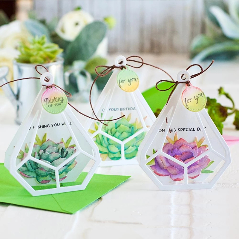 terrarium-botanicuts-succulents-mini-cards-the-greetery-5_d5d6f9d1-b737-493c-aac4-2b3d2d200112@2x.webp