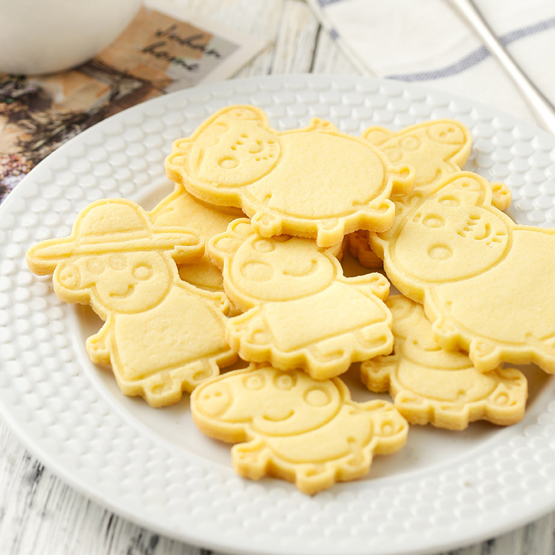 6 Pieces/set Peppa Pig DIY Figure Model Cookie Cutters 3D Cartoon Plastic Pressing Model Toy Children Christmas Gift