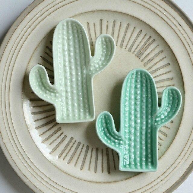 Фото креативное керамическое блюдо с кактусом в стиле ананаса с ароматом