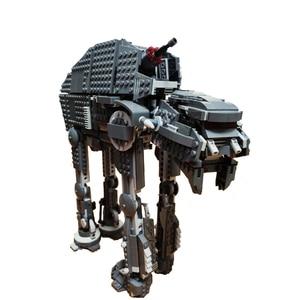 Image 1 - Bela 10908 серия первый заказ тяжелые штурмовые ходунки строительные блоки кирпичи 75189 игрушки для Chidlren