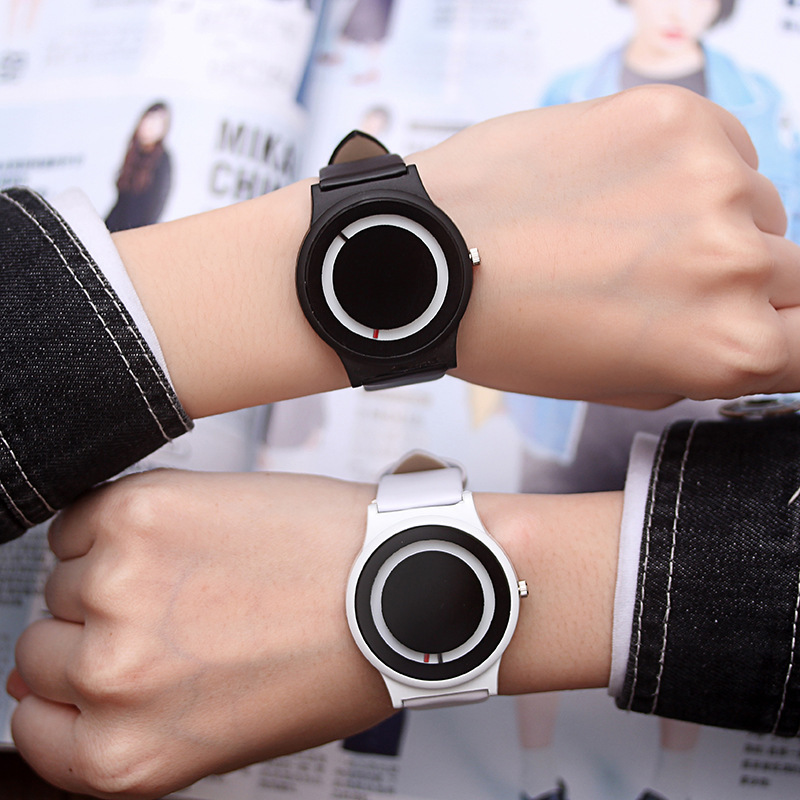 South Korea Retro Classic Simple Net Hipster Series Couple Watch Men Women's Simple Without Scale Dial Belt Watch Black White