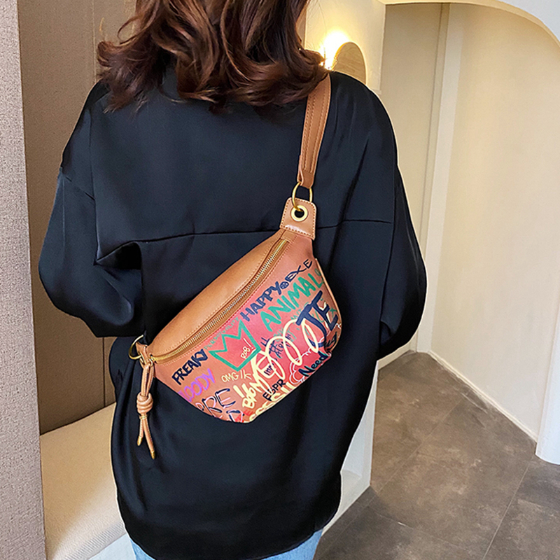 Luxury Designer Leather Shoulder Bags For Women Fashion Alphabet Graffiti Waist Bag Crossbody Pack Women Bag Fanny Pack Waist Pa