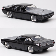 1/24 Scale Vintage Jada 1973 Plymouth Barracuda Diecast Toy Vehicle Metal Pony Auto Muscle Racing Car Model Hobby Collectibles