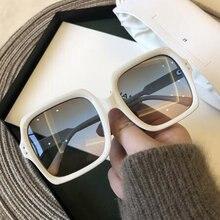 Alta qualidade retro branco óculos de sol senhoras grande quadrado moldura ultra-fino rosto óculos de sol multi-função e uv protecti