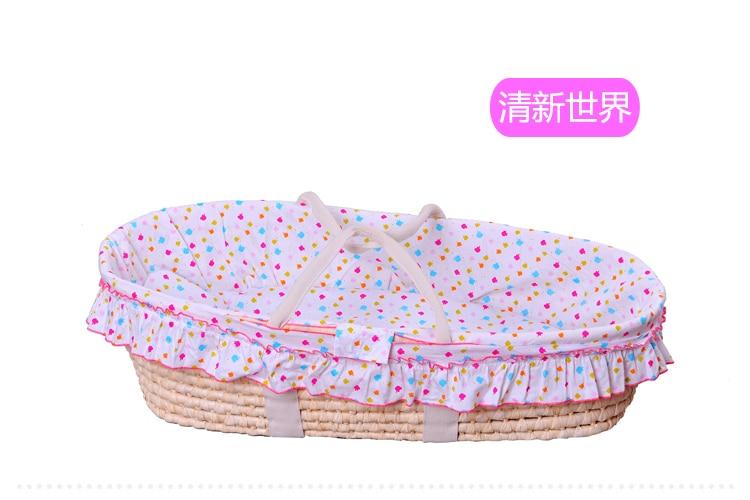 Corn fur woven portable baby hand basket cradle sleeping basket newborn crib baby sleeping basket naked basket