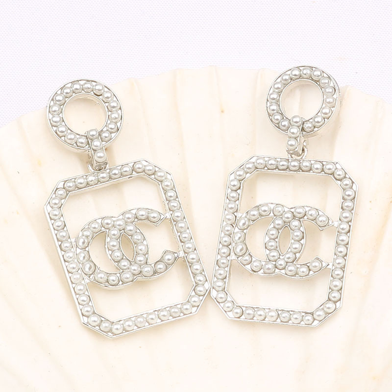 2020 New Female Temperament Of Sterling Silver Joker Contracted Pearl Earring Web Celebrity Cabinet And Earrings