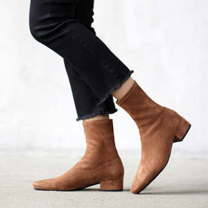 Image 1 - Ins Hot Vrouwen Laarzen Britse Stijl Plus Size Stretch Laarzen Casual Flock Europese En Amerikaanse Laarzen Vrouwen Varkensleer Voering Binnenzool