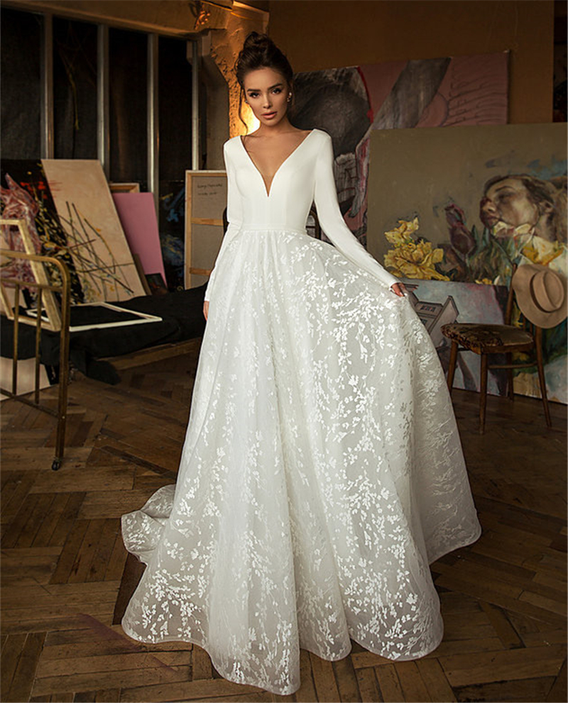 Long Sleeves Lace Wedding Dress 2020 V-neck Boho Bridal Gowns Satin Backless White Vestido de noiva Plus size Wedding Gowns