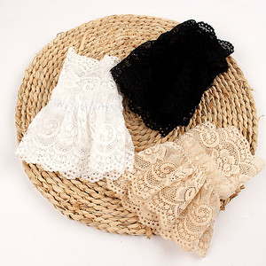 2Pcs/Pair Women Girls Fake Flare Sleeves Female Floral Lace Pleated Ruched False Cuffs Sweater Wrist Warmers