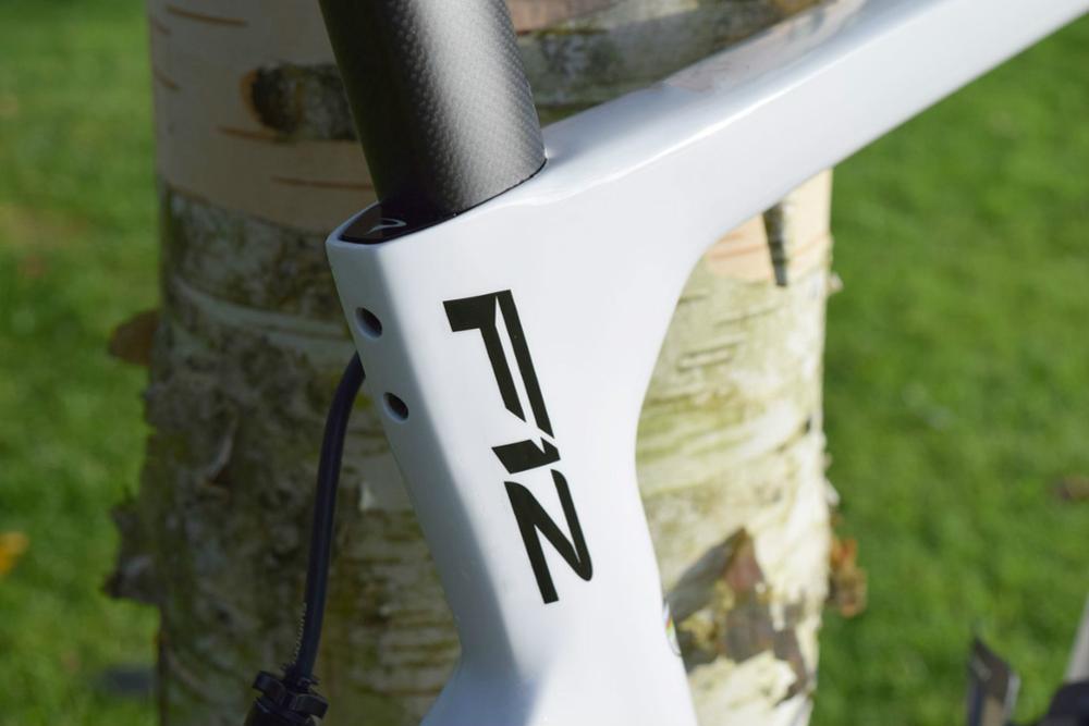 T1100 Carbon Rode Bike F12 Frame Super High Quality Carbon Fiber 1k Material Frame+fork+seatpost+clamp+headset,EMS Free Shipping
