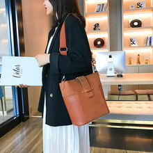 цена на Fashion Female Shoulder Bag Nubuck Leather women handbag Vintage Messenger Bag sac a main femme de marque luxe cuir 2019