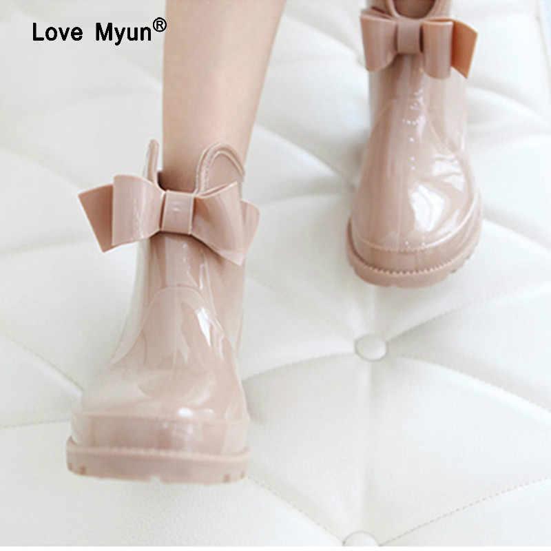 Bowtie ข้อเท้ารองเท้าผู้หญิงส้นแบนลื่น Glossy Rainboots กันน้ำ PVC ผู้หญิงรองเท้า Wellies 145