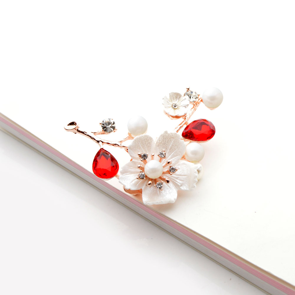 Shell And Pearl Flower Brooches For Women Elegant Fashion Pin Red Crystal Brooch Wedding Jewelry High Quality CLOVER JEWELLERY
