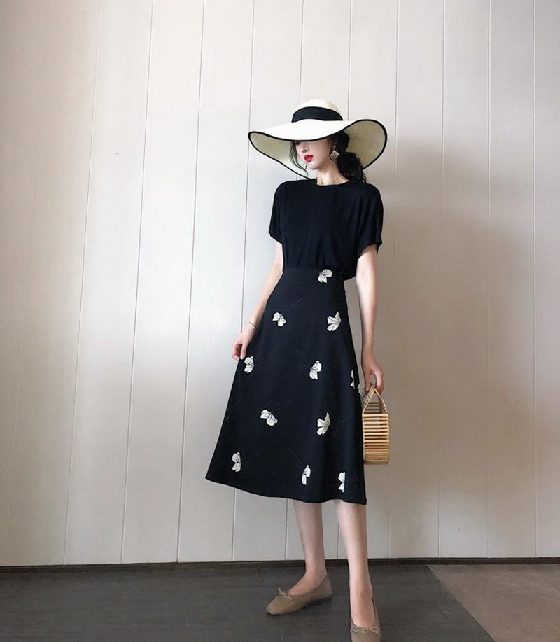 France Non-mainstream Elegant Playful Set Dress Summer Women's Very Fairy Of Network Hong Yang Gas Royal Sister Graceful Trendy