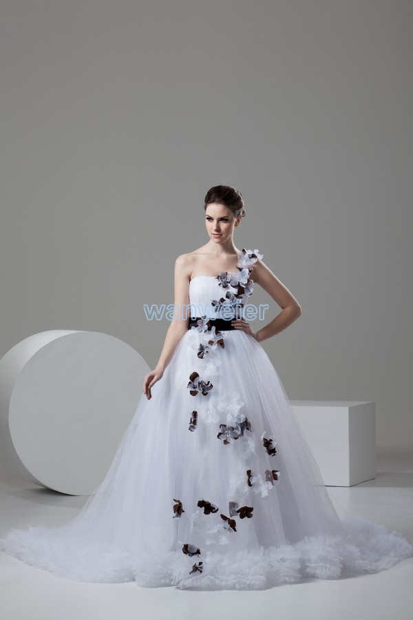 Free Shipping 2016 Design Hot Sale Custom Size/color Bridal Gown Small Train White One Shoulder Handmade Flowers Weddin Dress