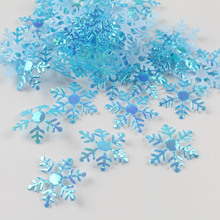 1 pack of snowflakes Christmas decorations Wedding party throwing paper scraps Christmas pendant venue layout bar decoration свитшот print bar christmas snowflakes