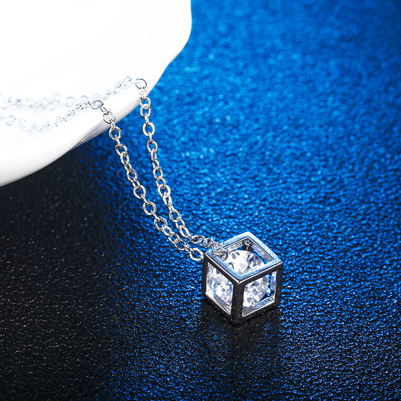 Square Cube Necklace Pendant for Women Crystal Long Statement Chain Necklace Jewelry Cubic Fashion Chain Female Gift