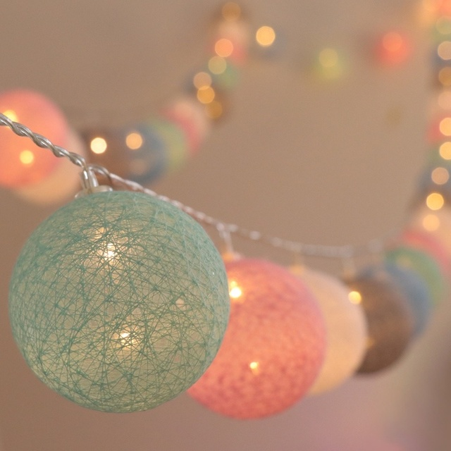 20 LED Cotton Ball Garland String Lights Christmas Fairy Lighting Strings for Outdoor Holiday Wedding Xmas Party Home Decoration 1