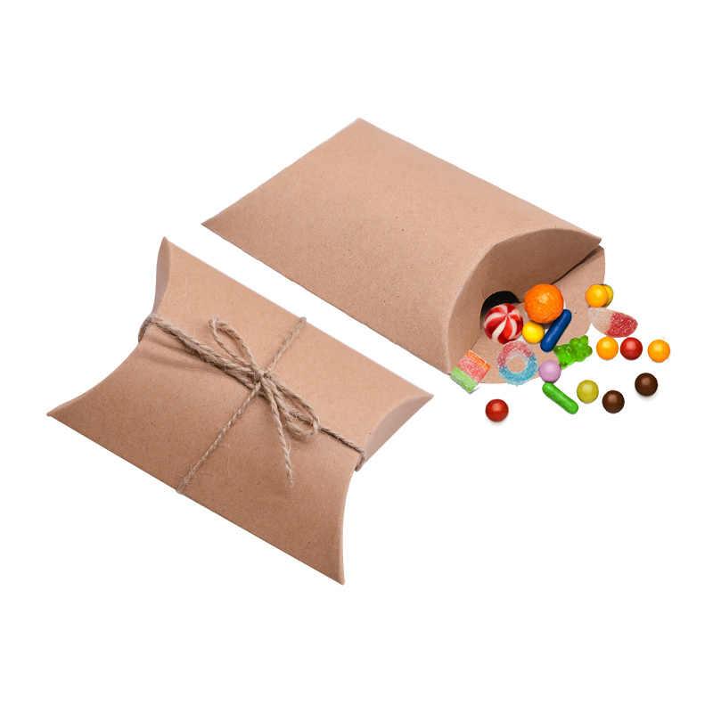 50pcs Kraft Scatola di Carta di Caramella Cuscino a Forma di Sacchetti di Favore di Cerimonia Nuziale Del Bambino Doccia Festa di Compleanno Forniture Cioccolato Cornici E Articoli Da Esposizione Sacchetto del Regalo scatole