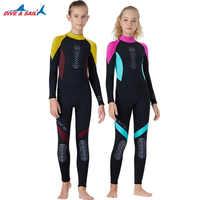 Une pièce 2.5MM néoprène combinaison enfants à manches longues corps complet combinaison de plongée garçons maillot de bain filles Surf plongée en apnée Rashguard combinaison humide