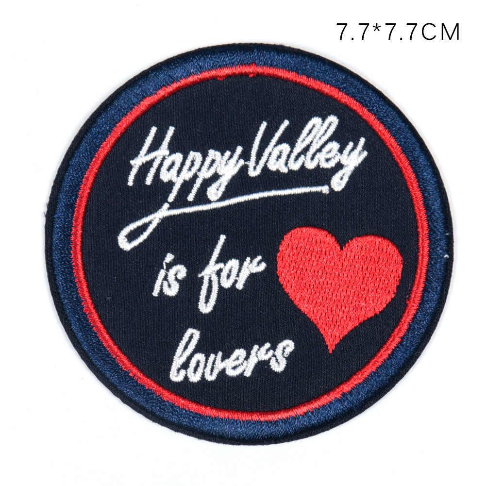 Decorazioni Lettere D Amore 10 pz/lotto rotonda distintivo del ricamo patch di abbigliamento  decorazione lettera di amore moto cucciolo occhi trasferimenti di calore  del ferro