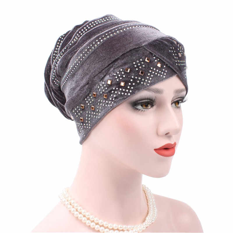 جديد إمرأة حجاب مخملي حَجَرُ الرَّايِن كبير الحجم غطاء رأس عمامة قبعة قبعة السيدات إكسسوارات الشعر وشاح إسلامي غطاء تساقط الشعر 12 لون