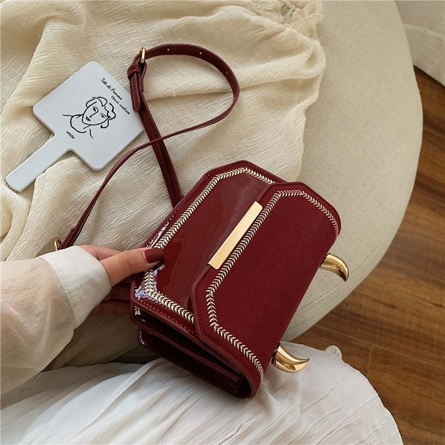 Suede Women Handbag Female 2019 Autumn New Fashion Messenger Bag Brand Chain Shoulder Bag Retro Small Square Crossbody Bag