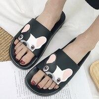 Été femmes pantoufles dessin animé Bulldog sandales plat confortable plage diapositives mignon drôle salle de bain étage maison maison chaussures