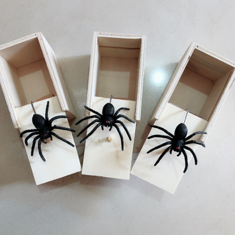 1 Piece Wooden Prank Spider In The Case Scare Box Scaring Trick Play Joke Toy Home Garden Supplies