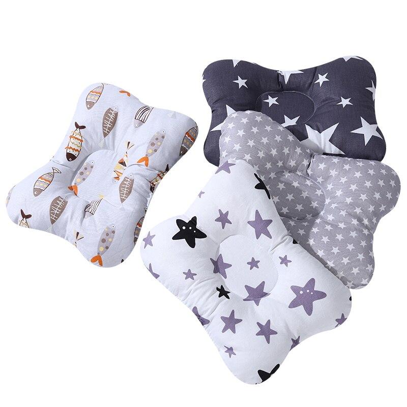 [Simfamily] Baby Pflege Kissen Infant Neugeborenen Schlaf Unterstützung Konkaven Cartoon Kissen Gedruckt Gestaltung Kissen Verhindern Flach Kopf