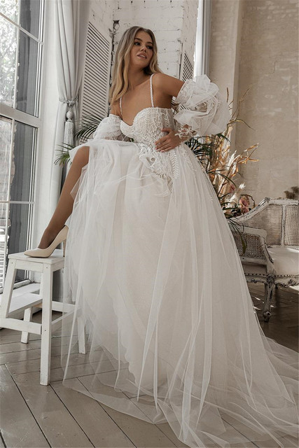 A-line Beach Wedding Dress Long Puff Sleeve Lace Bridal Gown Feathers Custom Made Princess Wedding Party Gowns Boho Plus Size 3