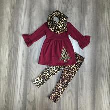 Рождественская Одежда для маленьких девочек; сезон осень зима; комплект из 3 предметов; шарф; Цвет Серый, винный; Леопардовый топ; комплект со штанами с рождественской елкой; хлопковый бутик детской одежды