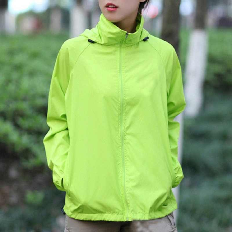 男性女性速乾性のハイキングジャケット 2020 新防水太陽保護屋外スポーツコートスキン男性女性ウインドブレーカーRW188