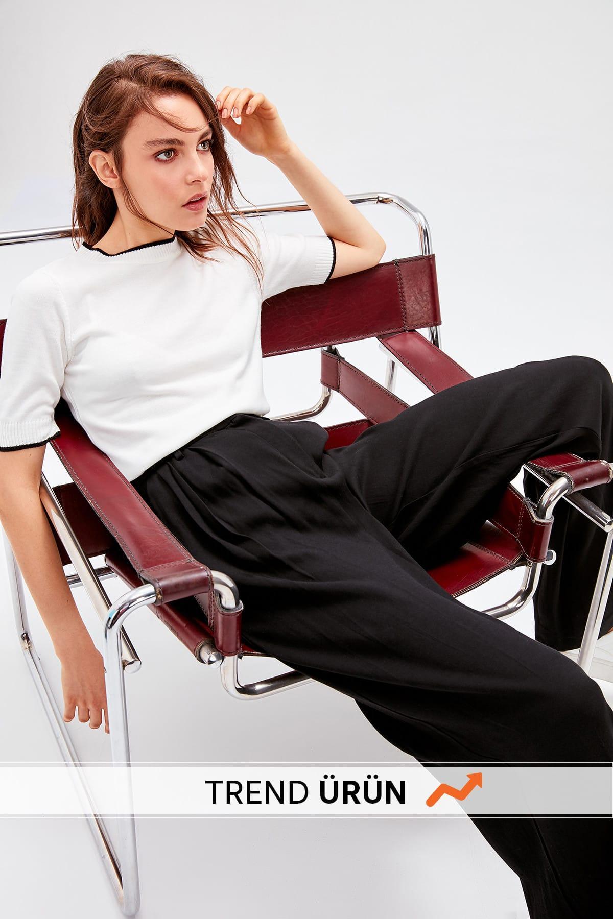 Trendyol Ecru Bias Tape Detaylı Bluz TWOAW20KZ0170
