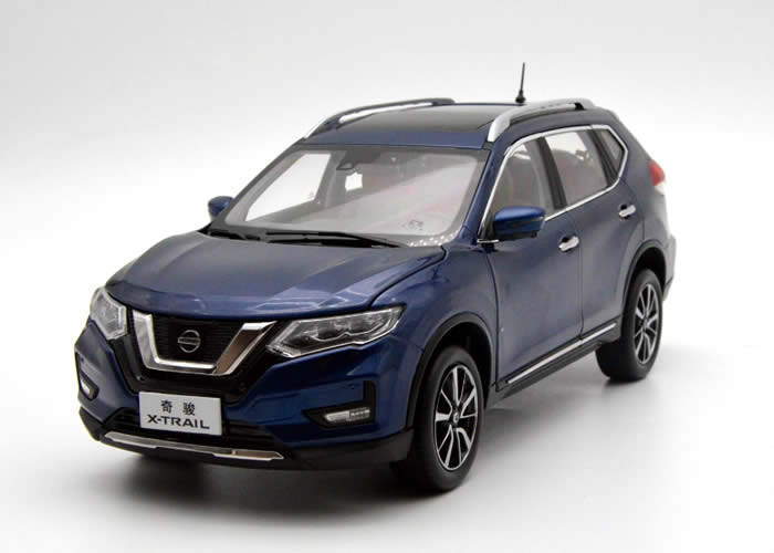 <font><b>1:18</b></font> <font><b>Diecast</b></font> Model for <font><b>Nissan</b></font> X-trail Rogue 2018 Blue SUV Alloy Toy <font><b>Car</b></font> Miniature Collection Gifts Hot Selling Xtrail X Trail image