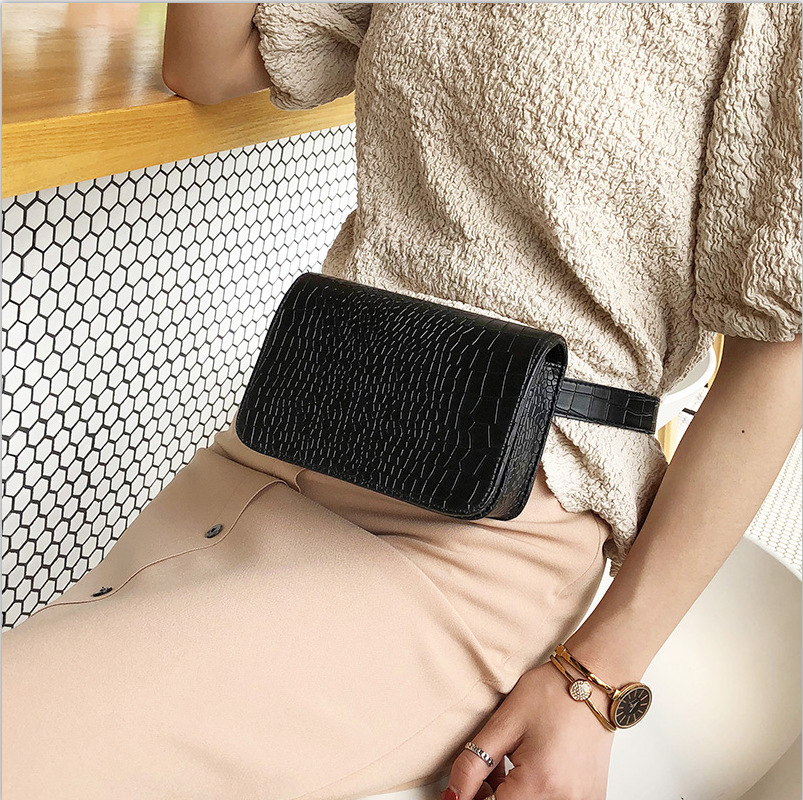 Women Waist Pack PU Leather Alligator Waist Bag 2019 Vintage Fanny Pack Leather Messenger Chest Bag Ladies Travel Belt Wallets