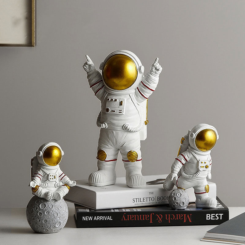 Astronaut Spaceman Creative Statue Car Decor Art Crafts Figurine Abstract Sculpture Home Office Desktop Decoration Ornament Gift