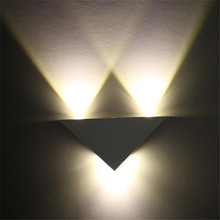 Modern LED wall light 3W aluminum body triangle wall light, used for bedroom home lighting lamps and lanterns bathroom lamps