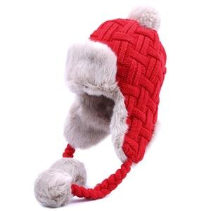 Image 2 - Sombreros de invierno de imitación de piel de zorro para mujer, gorros de bombardero, gorros de lana Ushanka rusa con pompones y orejeras, gorros de aviador