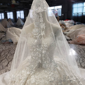 Image 5 - LSS513 Vintage Wedding Dress 2020 Appliques With Wedding Veil O Neck Lace Up V Back White Bridal Ball Gown